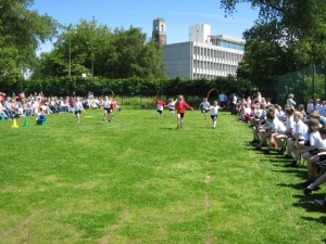 Year 3 in the Skipping race