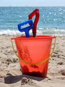 bucket and spade (Small)